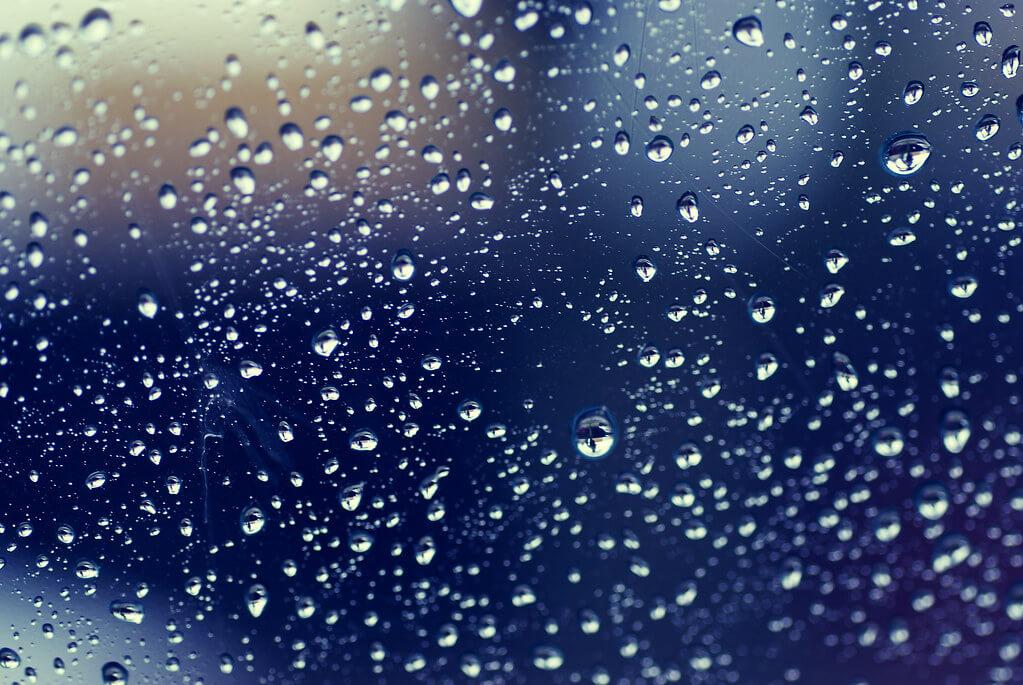 Fe Ilya - Raindrops On My Window