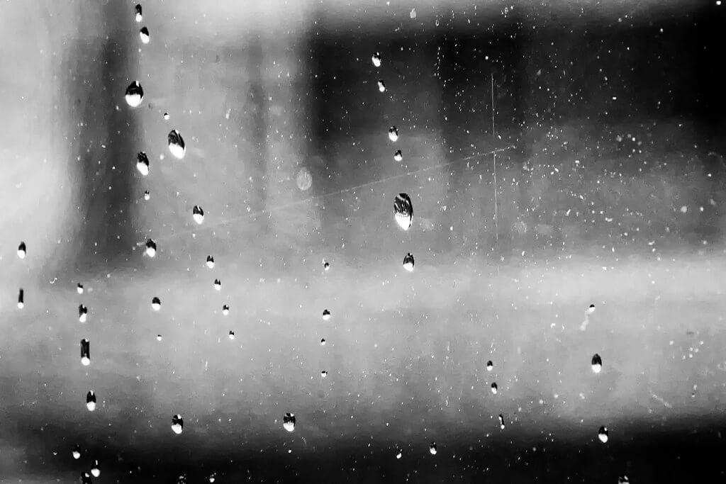Paul van de Velde - raindrops on window