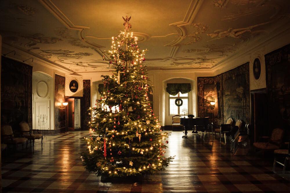 Jette Baltzer - Christmas Ballroom