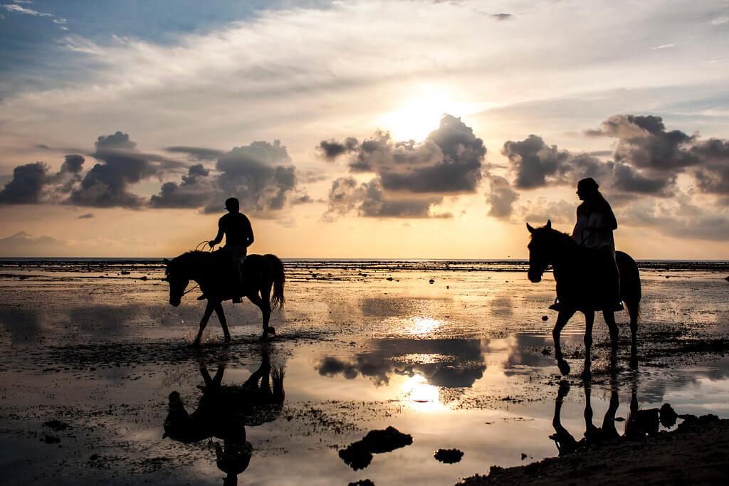 Carlos Sarmento - Horse riding Gili Trawangan sunset