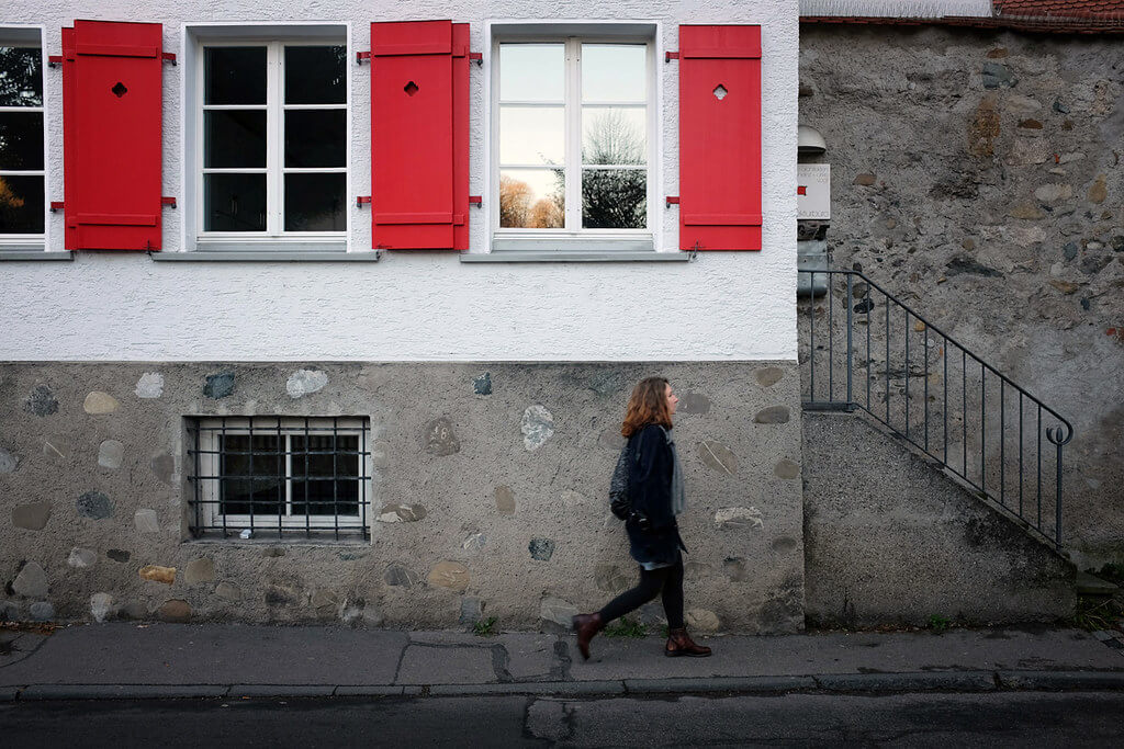 Bart Brouwer - Red shutters
