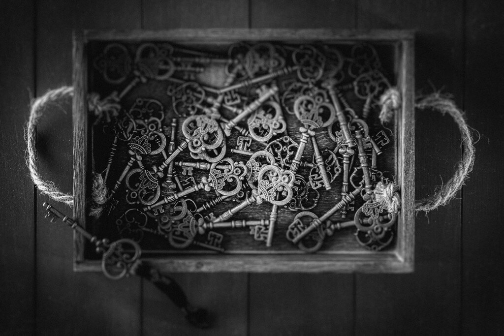 Linda Shankster - Box of Keys