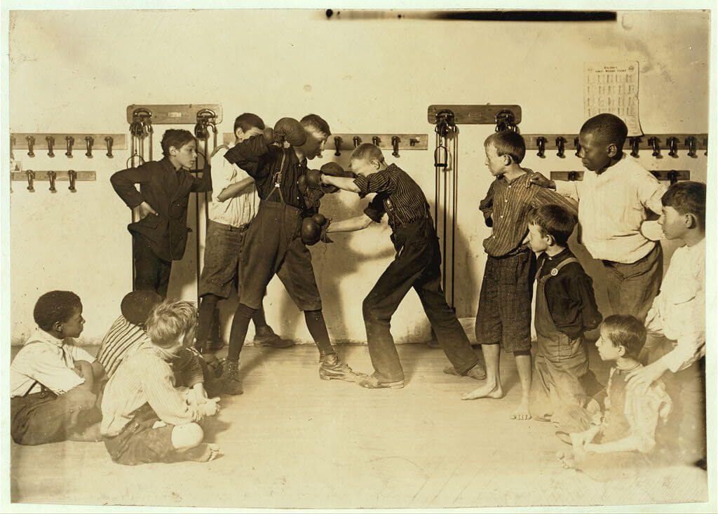 Lewis Wickes Hine - boys boxing