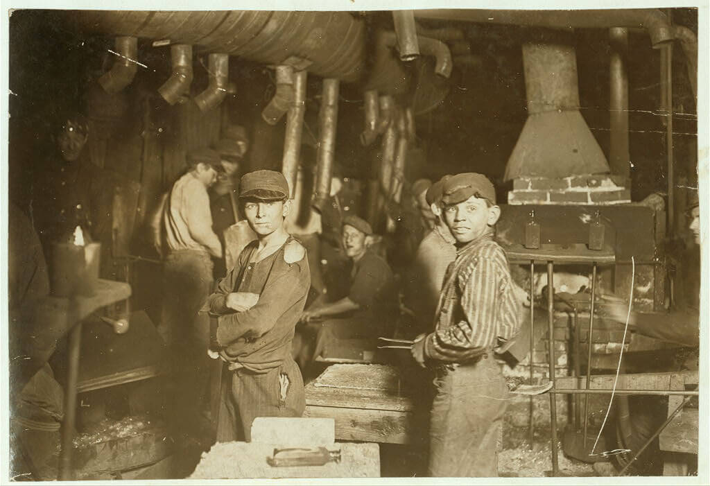 Lewis Wickes Hine - glass works at midnight