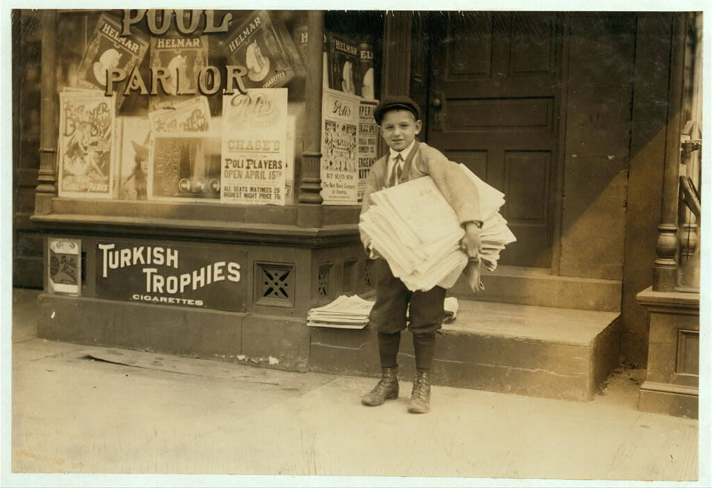 Lewis Wickes Hine - newsie in Washington DC