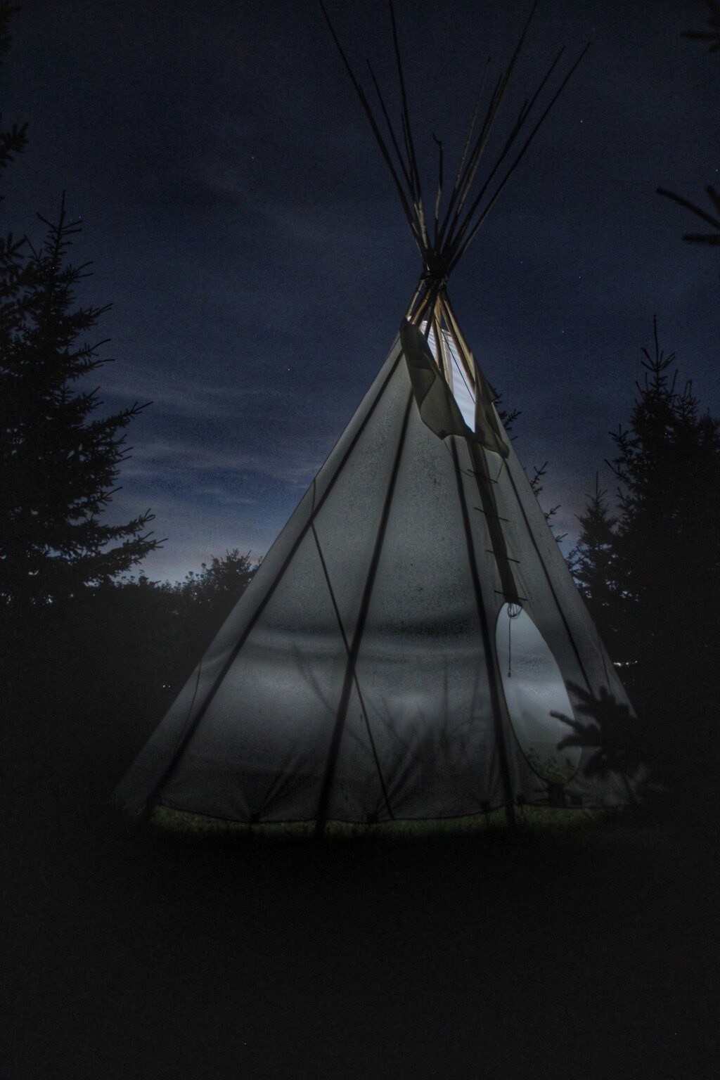 Simon Pankoski - Tee Pee light painting