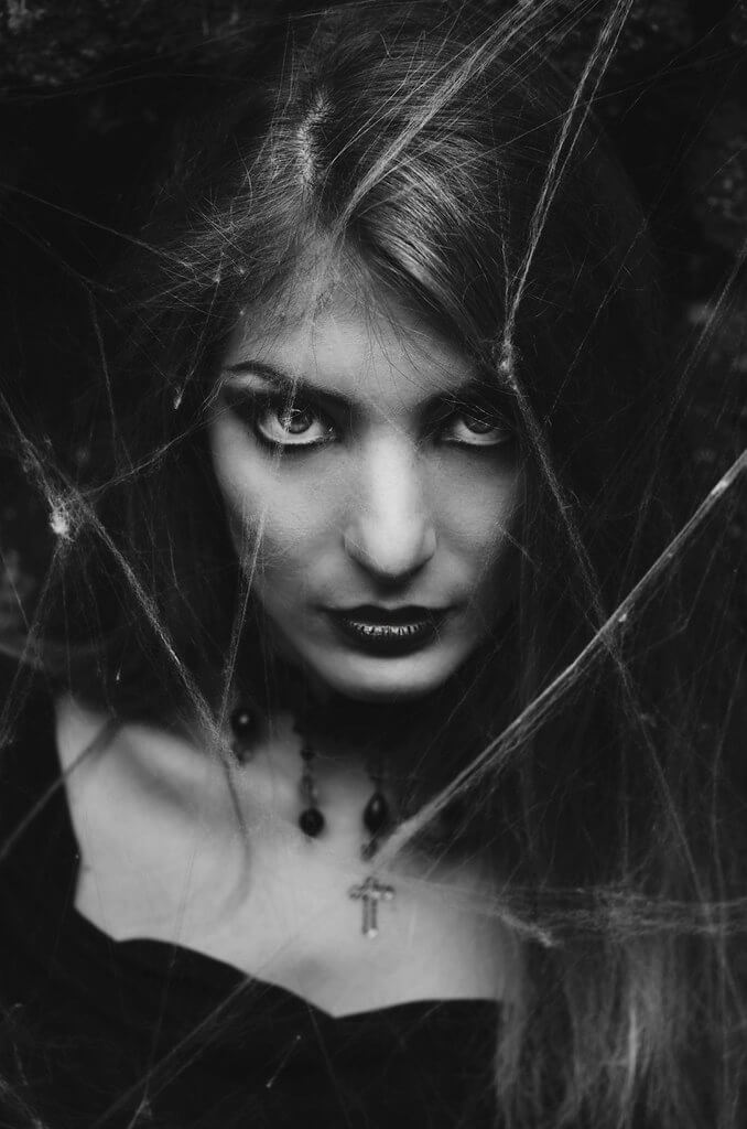 Arianna Ceccarelli - Buried by spider webs