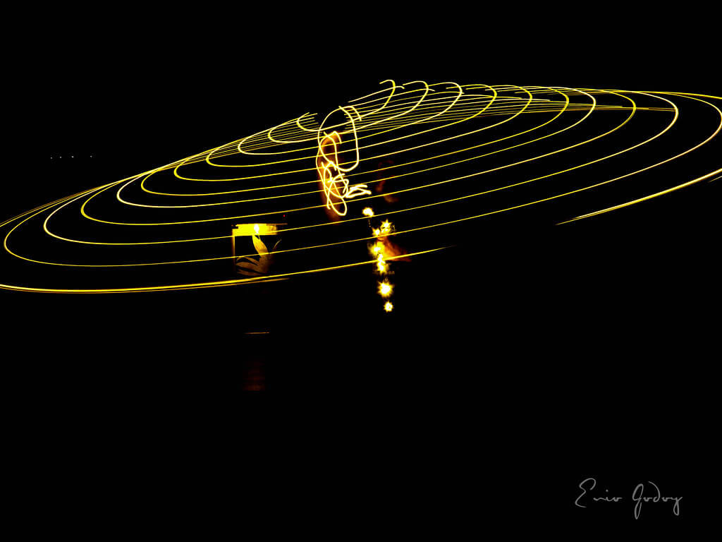 Enio Godoy - Light Painting