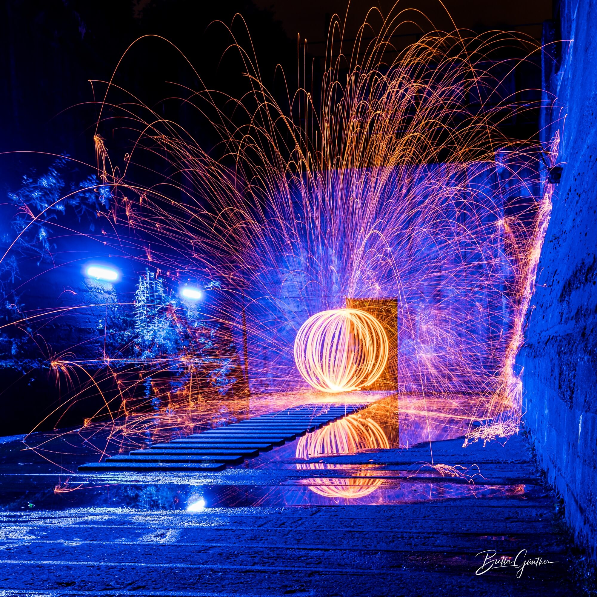 Britta Günther - steel wool light painting