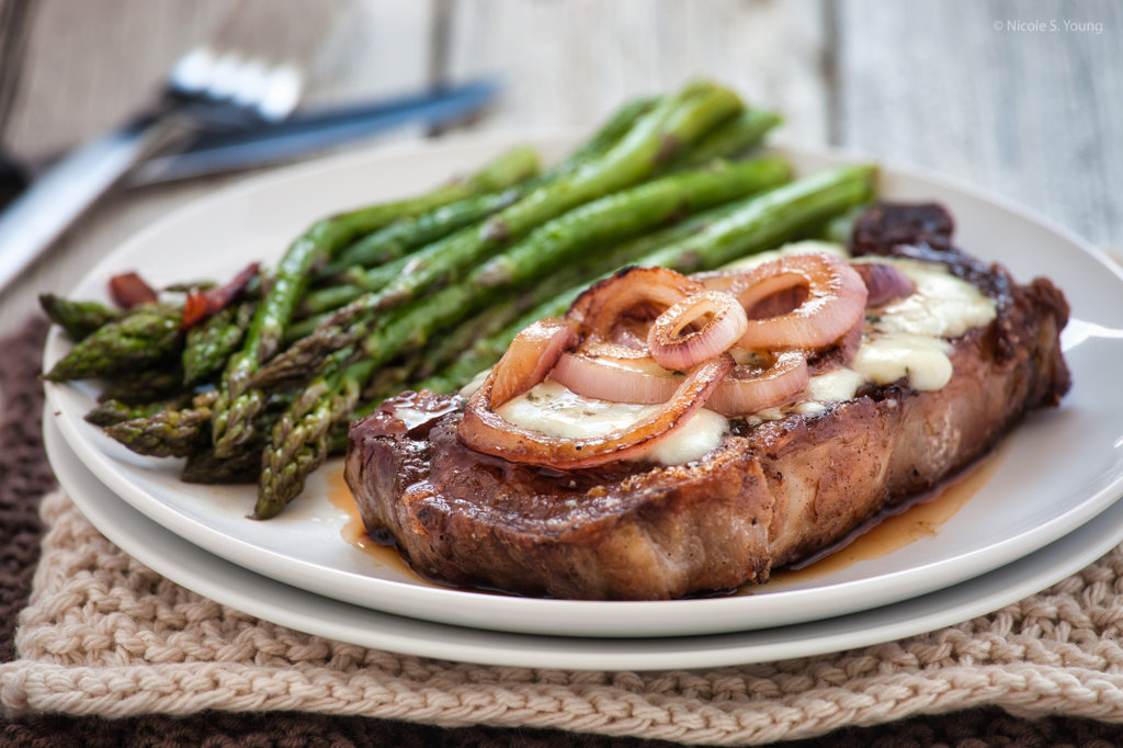food photography tips steak with asparagus after photo