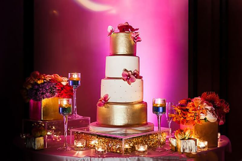 wedding cake pictures with colorful background