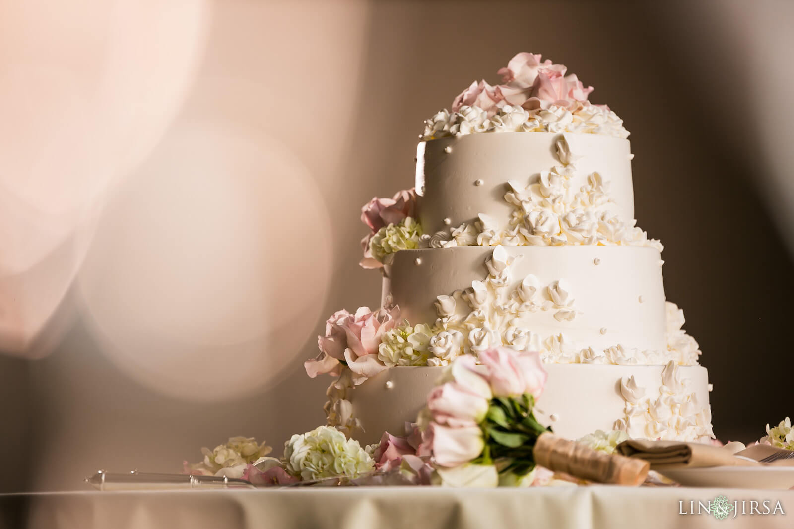 wedding cake pictures foreground object